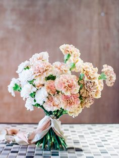 Peach, white and variegated brown ombré carnation bridal bouquet // Carnation Inspiration