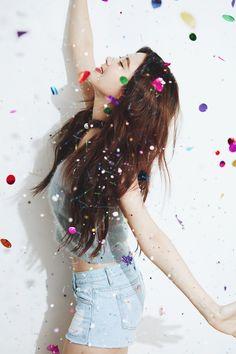 151201 TaeTiSeo @ Dear Santa Teaser 3。(via smtown now) 『Girls' Generation-TTSのクリスマス・アルバム「Dear Santa」 アルバム販売の収益金をユニセフ(UNICEF)に一部寄付』 site link : https://now.smtown.com/#/Show/4103