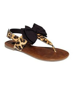 cheetah sandals with a bow ... love.