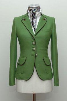 lo ultimo en moda es combinar las chaquetas militares con pantalones pitillo y botas altas o tacones. te informaremos donde puedes encontrar las chaquetas mas exclusivas, en algunas tiendas puedes ...
