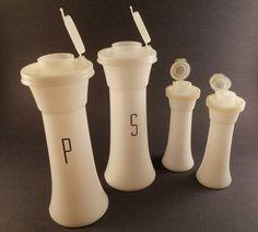 mom used them for picnics----SALE Vintage Salt & Pepper Shakers Tupperware…