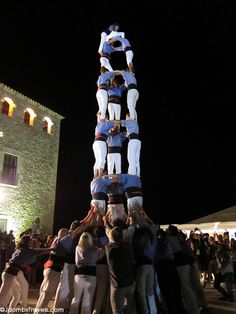 "Costa Brava's #Castellers and El Celler de Can Roca..two ""must"" if you come to Barcelona. Girona is 1.5 hours in train from city center."