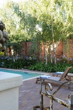 For bed and breakfast accommodation in Johannesburg, Abbey Guesthouse is the place to stay. Business Centre, Bed And Breakfast, Park, Places, Parks, Lugares
