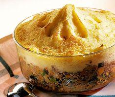 Kartoffelstock-Gratin - mit «Dreierlei Ghackets» werden ihn auch Kinder lieben Group Dinner, Dutch Recipes, Food And Drink, Pudding, Desserts, Dutch Food, Instant Pot, Food Ideas, Kitchens