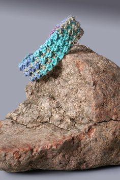 moss stitch #crochet bracelet pattern @becraftsy