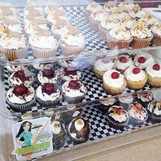 Tonight! @half_bakedgoods  @sdart_art will be at @cistudios art walk! Cupcakes: vanilla dunkaroo pineapple upside down cake banana cream chocolate fruity pebbles Black Forest & s'mores. Cookies: s'mores chocolate chip.  #vegan #veganfood #vegandonuts #vegancookies #vegancupcakes #veganbread #glutenfree #glutenfreevegan #glutenfreedonuts #glutenfreecookies #glutenfreecupcakes #glutenfreebread #westpalm #westpalmbeach #broward #bocaraton #margate #fortlauderdale #deerfieldbeach #miami…