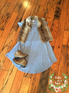 LuLaroe LuLaFix Subscription Box Review for October 2016   Plus Size Fashion   Fall Fashion   Carly Swing Dress   Faux Fur Vest   Ankle Booties   Statement Necklace