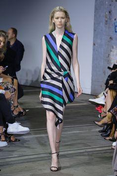 Bianca Spender Sydney Fall 2018 Fashion Show Collection: See the complete Bianca Spender Sydney Fall 2018 collection. Look 12