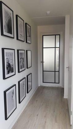 Creative and Great Deze steel-look industriële opdek deuren there are Svedex. Hun black is white. Distinctive and Inventive Deze steel-l. Bedroom Doors, Deco Design, Hallway Decorating, Exterior Doors, My New Room, Style At Home, Home And Living, New Homes, Room Decor