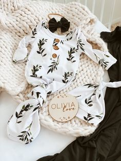 Shop the cutest knotted gowns, baby name signs and more!