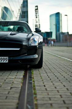 Mercedes SLS AMG / /  Lyon1845 (Via riqueza-de-la-vie )