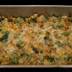 Even though I rarely cook with canned condensed soups, I still make this yummy broccoli casserole during the holiday season. It's fabulous with a Christmas ham and potatoes au gratin too. Brocolli Cheese Casserole, Broccoli And Cheese, Chicken Broccoli, Chicken Casserole, Thanksgiving Vegetables, Thanksgiving Appetizers, Vegetarian Recipes, Cooking Recipes, Cooking Tips
