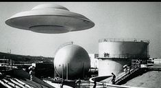Science Magazine, World Of Tomorrow, Aliens And Ufos, Flying Saucer, Close Encounters, Ufo Sighting, Retro Futurism, Beautiful Images, Cosmic