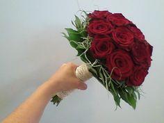 bruidsboeket - rode rozen - flowered by falenopsis boechout
