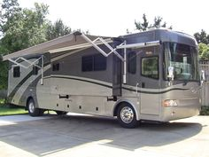 2005 Country Coach Inspire 330 fully loaded class A diesel pusher motorhome..SOLD!!! (502) 645-3124 www.HelpSellMyRV.com, Louisville Kentucky