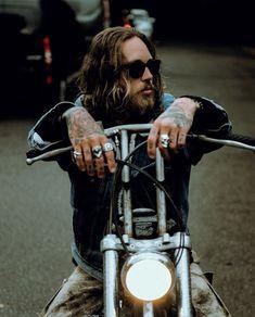Billy Huxley x Billy Huxley, Old School Chopper, Old School Vans, Metal Fashion, Fashion Men, Fashion Jewelry, Bobber Chopper, Chopper Motorcycle, Harley Bikes