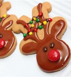 Recipe For Gingerbread Men - Reindeer - LOOK.. it's an up-side-down Gingerbread Man, how cute is that! Kids will be amazed even if they just get to help place the nose!!