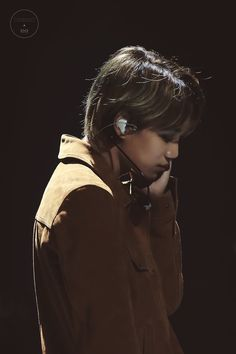Cre: the owner/as logo Kyungsoo, Chanyeol, Exo Music, Ko Ko Bop, Exo Concert, Kim Minseok, Xiuchen, Look At The Stars, Exo Kai