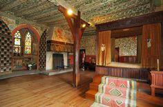 A journey through 850 Years in one Castle Medieval World, Medieval Castle, Beautiful Architecture, Interior Architecture, Burg Eltz Castle, Tudor Decor, Castle Rooms, Swedish Cottage, My Secret Garden