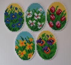 Easter eggs hama beads by livresetmerveilles Perler Beads, Perler Bead Art, Fuse Beads, Pony Bead Patterns, Hama Beads Patterns, Beading Patterns, Pearl Crafts, Beaded Banners, Melting Beads