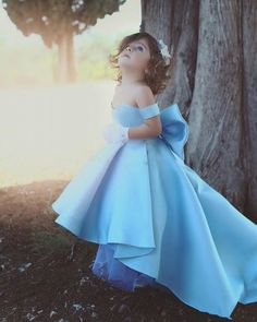 Elegant Off Shoulder High Low Satin Flower Girls Dresses Strapless Kids Pageant Gowns With Bow First Communion Dress Girls Blue Dress, Girls Pageant Dresses, Wedding Dresses For Girls, Pageant Gowns, Dress Wedding, Blue Dresses For Kids, Kid Dresses, Bridesmaid Dresses, Prom Dresses