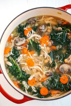 This Detox Immune-Boosting Chicken Soup is the perfect remedy for flu season fil. - This Detox Immune-Boosting Chicken Soup is the perfect remedy for flu season filled with antioxidan - Healthy Diet Recipes, Healthy Meal Prep, Detox Recipes, Healthy Eating, Cooking Recipes, Healthy Soups, Easy Cooking, Healthy Food, Kale Soup Recipes