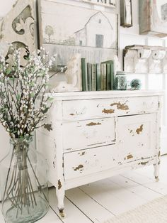 home decor shabby chic 20 Amazing Shabby Home Decor Ideas That You Could Make Itself Shabby Home, Shabby Chic Kitchen, Shabby Chic Homes, Kitchen Decor, Shabby Chic Interiors, Kitchen Design, Whimsical Painted Furniture, Shabby Chic Furniture, Furniture Vintage