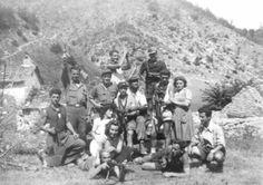 Partigiani e staffette a Mulino Boldrino (settembre 1944) Ww2, Mount Rushmore, Badass, Hero, Travel, Italia, The Outsiders, Museum, Pictures