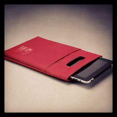 Fundas para iPad, acolchadas y con asa para transportarlo fácilmente.  http://www.neodalia.com/es/ventas/funda-para-ipad