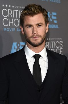 Celebs Who Love Chris Hemsworth As Much As You Do, Because He's Truly Irresistible To Everyone — PHOTOS