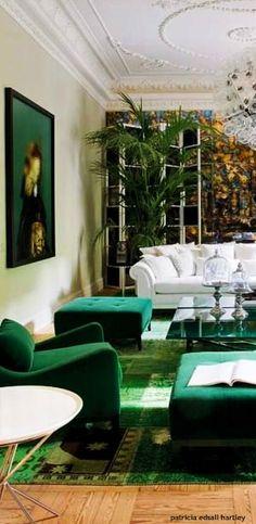 . Silver Living Room, Tiffany Green, Green Sofa, Green Home Decor, Outdoor Furniture Sets, Outdoor Decor, Colorful Decor, Decor Interior Design, Kitchen Decor