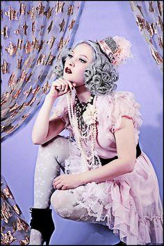 #curlyhair #silverhair #hairstyle #hair www.doctoredlocks.com