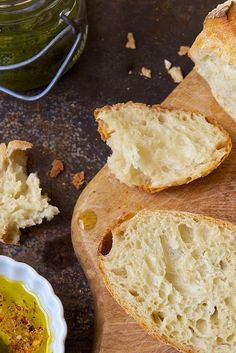 No-Knead Crusty White Bread The most basic of all no-knead loaves, this is a wonderful way to get into yeast-bread baking. The easy stir-together dough rests in your refrigerator, developing flavor all the time, till you're ready to bake. About 90 minutes Yeast Bread, Bread Baking, Bread Recipes With Yeast, Crusty Bread Recipe Dutch Oven, Basic Bread Recipe, Bread Food, Baking Stone, King Arthur Flour, Biscotti