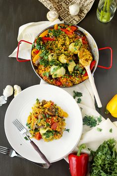 Vegan Paella - delicious vegan spanish rice,  flavored with saffron and smoked paprika