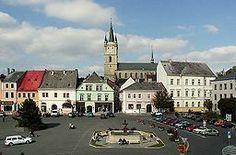 Stromem k výročí Tachova se stane buk červený Eastern Europe, Viera, Mansions, House Styles, Building, Beautiful, Czech Republic, Scotland, Canada