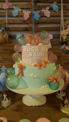 Bolo Chá Revelação Ursinhos em rosa e azul bebe com bolhas de gelatina e todo modelado a mão