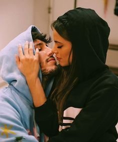 I can imagine if you need love boyfriend tips! Check the link to our site to read more. Couple Photoshoot Poses, Couple Posing, Couple Shoot, Cute Couples Goals, Couple Goals, Sebastian Yatra, Love Boyfriend, Relationship Goals Pictures, Couple Relationship