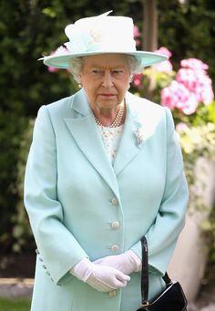 Queen Elizabeth II Photos - Royal Ascot - Day 3 - Zimbio