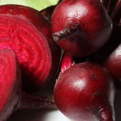It is not only delicious, but the beetroot is storage of healthy nutrient as well. Take a couple of slices of beetroot with some olive oil and garlic and your immune system will be able to fight against all harmful microorganisms. Beet Recipes, Healthy Recipes, Beetroot Benefits, Growing Vegetables Indoors, Danette May, Healthy Life, Healthy Eating, Healthy Food, Happy Healthy