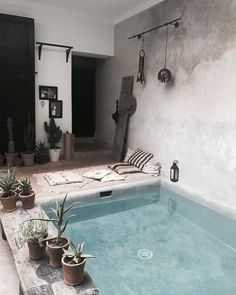Best Mini Pool Design Ideas For Small Backyard - Home Design, Home Interior Design, Interior And Exterior, Interior Design Ideas For Small Spaces, Cosy Interior, Patio Chico, Piscina Interior, Mini Pool, Cute Dorm Rooms