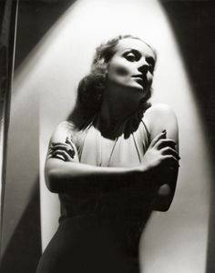 Carole Lombard, 1936 by George Hurrell Hollywood Glamour Photography, Glamour Shots, Old Hollywood Glamour, Golden Age Of Hollywood, Classic Hollywood, Celebrity Photography, Hollywood Style, Vintage Hollywood, Photo Star