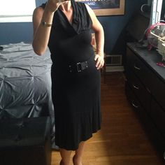 Loft black dress with Belt. Size 6. So darn cute. Outstanding condition for a knit dress, but there is still some pilling. Great staple piece. No trades and all offers through offer or bundle button. Dresses