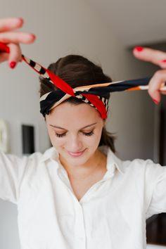 Hair Scarf Styles, Short Hair Styles, Hair Scarf Wraps, Silk Hair Scarf, Headband Scarf, Short Hair Headband, Bandana Hairstyles, Pretty Hairstyles, Scarf Hairstyles Short