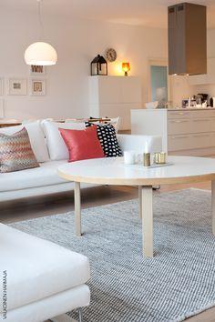 Valkoiset sohvat - Valkoinen Harmaja