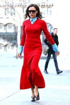 Ensemble en maille et color block, on rougit d'admiration devant Victoria Beckham