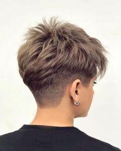 Chic Short Hair, Short Choppy Hair, Short Hair Undercut, Super Short Hair, Short Hairstyles For Thick Hair, Short Brown Hair, Haircuts For Fine Hair, Haircut For Thick Hair, Short Hair With Layers