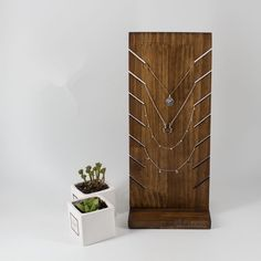 New Solid Wood Necklace Display Holder Pendant Display Bust Jewelry Display Stand Jewelry Display Rack Chain Necklace Bust Wood Jewelry Display, Jewelry Display Stands, Bracelet Display, Ring Displays, Jewelry Hanger, Jewelry Stand, Jewellery Storage, Jewellery Display, Jewelry Accessories