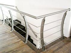 Arturo Silva Pedraza saved to Marcar la em Inox 8 9 9 5 7 Steel Railing Design, Steel Stair Railing, Steel Balustrade, Steel Stairs, Modern Staircase Railing, Modern Stairs, Staircase Design, House Main Gates Design, Stainless Steel Railing