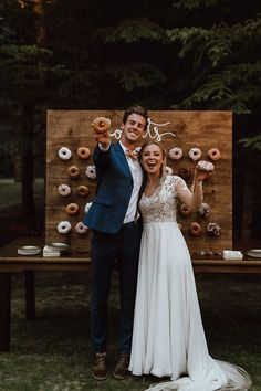 No reception is complete without a donut wall! | Image by Ariana Tennyson