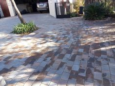 The Paving Experts for top-class paving installations in Pretoria. Pool Coping, Cladding, Outdoor Decor